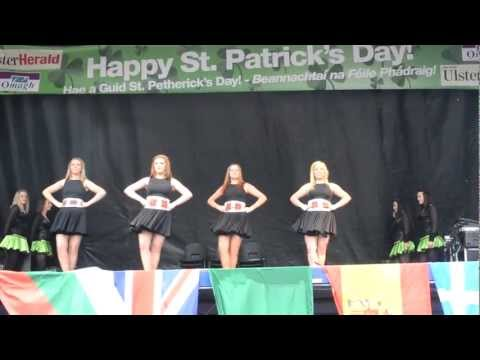Siamsa Gael Irish dancers & Sollus Highland dancers performing together.