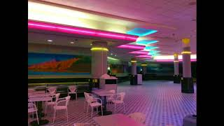 Lipps Inc.- Funky Town (playing in an empty shopping centre)