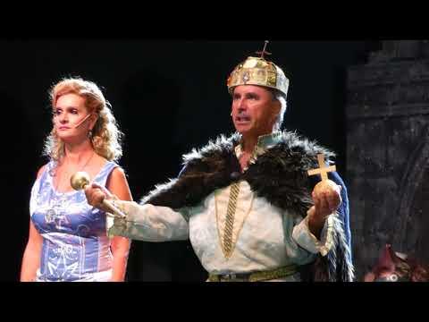 István a király: Koppány felnégyelése,  István megkoronázása, Himnusz
