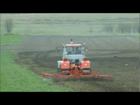 Cultivating Култивиране с трактор Т-150 и култиватор FORTSCHRITT