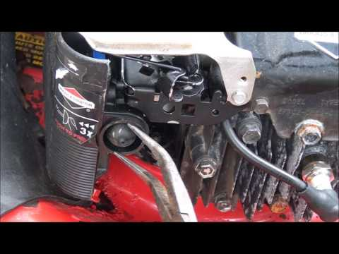 Hard to Start? HOW TO REPLACE and Check the PRIMER BULB on a BRIGGS and STRATTON Lawnmower Engine