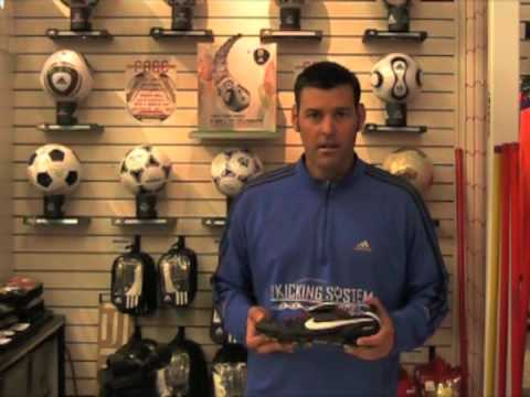 Finding the Right Kicking Shoe (Football) - Soccer Shoe review
