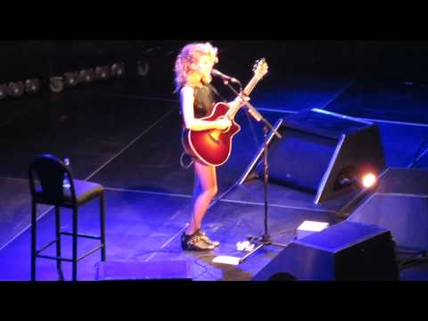 Dear No One - Tori Kelly At Madison Square Garden 11.01.13 video