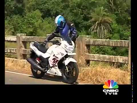 Karizma Zmr Vs Bajaj Pulsar 220 - Video.flv video
