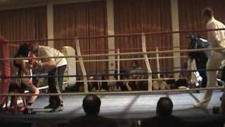 female ameture boxing Cloe v Ren