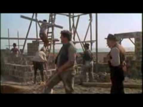 LA POESIA DEL CALZINAZZ dall'Amarcord di Federico Fellini