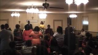 I Still Have a Praise Inside of Me (Georgia Mass Choir) - The Huff Family