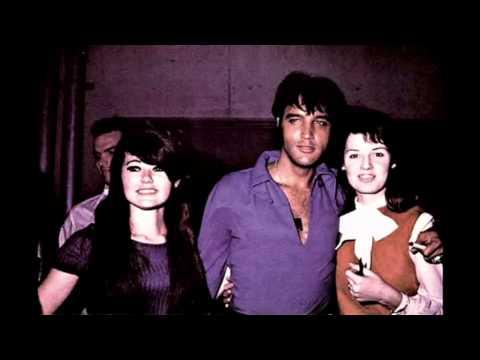 Elvis Presley - Wearin