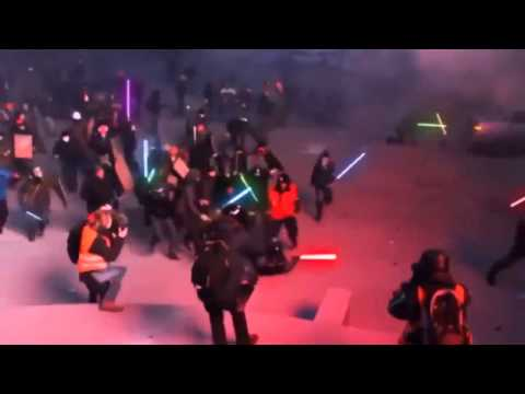 Protest Ukraine - Lightsaber attack from protesters!