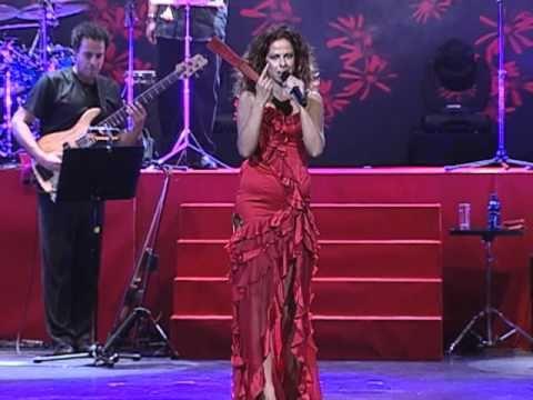 Pastora Soler  - Trinia (Live)