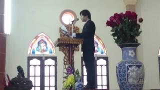 Chú rể hát đáp ca trong lễ cưới