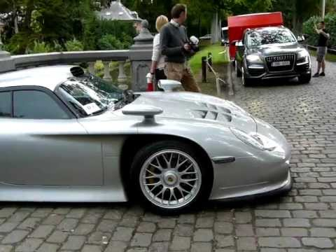 amazing a porsche 911 gt1 street version on the road. Black Bedroom Furniture Sets. Home Design Ideas