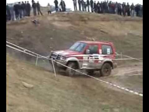 pajero fail off road