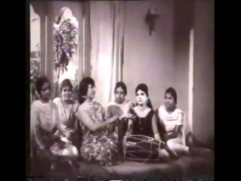 Hal Mariyaa Ghot Pe - Traditional Sindhi Wedding Song -  Ladli (1968) video
