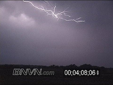 8/25/2003 Intense overnight lightning video south of Lakeville, MN