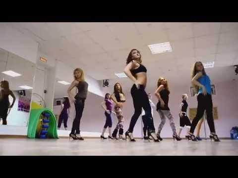 Клубные танцы тренировка, девушки