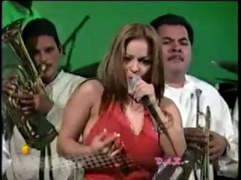 Jacqueline Alcala - Ese Muchacho  En Vivo