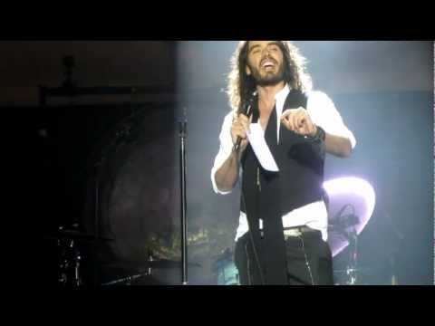 Russell Brand introduces Morrissey - Alma Matters (Live @ Hollywood High in Los Angeles 3.2.2013)