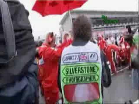 Kimi Raikkonen pushed a photographer