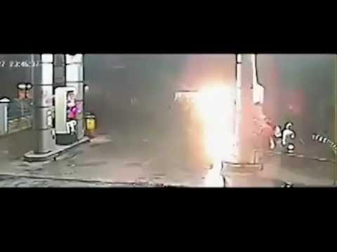 ДТП автобус врезался в бензоколонку