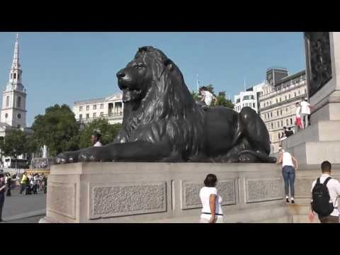 Travel Blogger Lisa Caprelli visits National Gallery Museum - London's Popular Art Museum