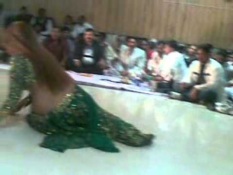 Mujra With Anant.mp4 video