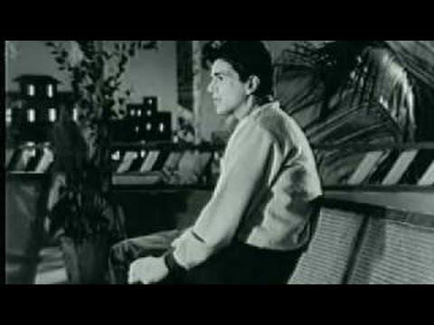 Mujhko Is Raat Ki Tanhai Mein Male - Mukesh - Dil Bhi Tera Hum Bhi Tere video