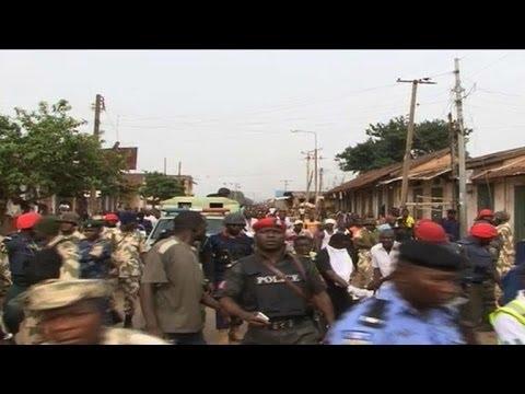 Twin Nigeria car bombs kill more than 100 in Jos