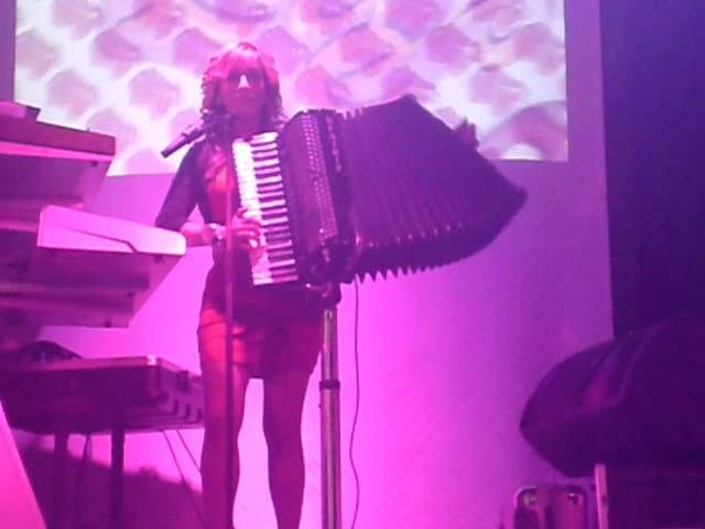 beatriz y su acordeon 8 9 2012