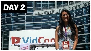 SINGING 5SOS WITH TEENS REACT | VIDCON 2015 DAY 2