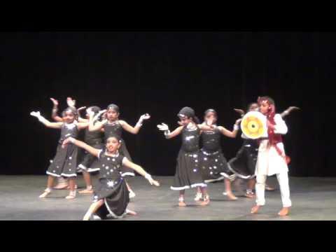 Chamma Chamma Dance