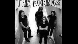 Watch Donnas Do You Wanna Go Out With Me video