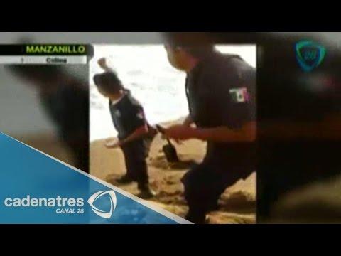 Policías de Manzanillo lanzan al mar huevos de tortugas