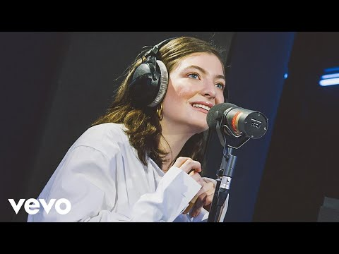 download lagu Lorde - Green Light In The Live Lounge gratis