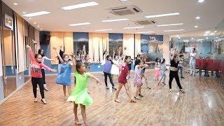 Lớp học dancesport của cô Khánh Thi