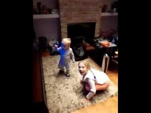 Dancing Lessons From Big Sister / Dance / Toddler Dance / Taniec Dzieci / Nauka Tańca