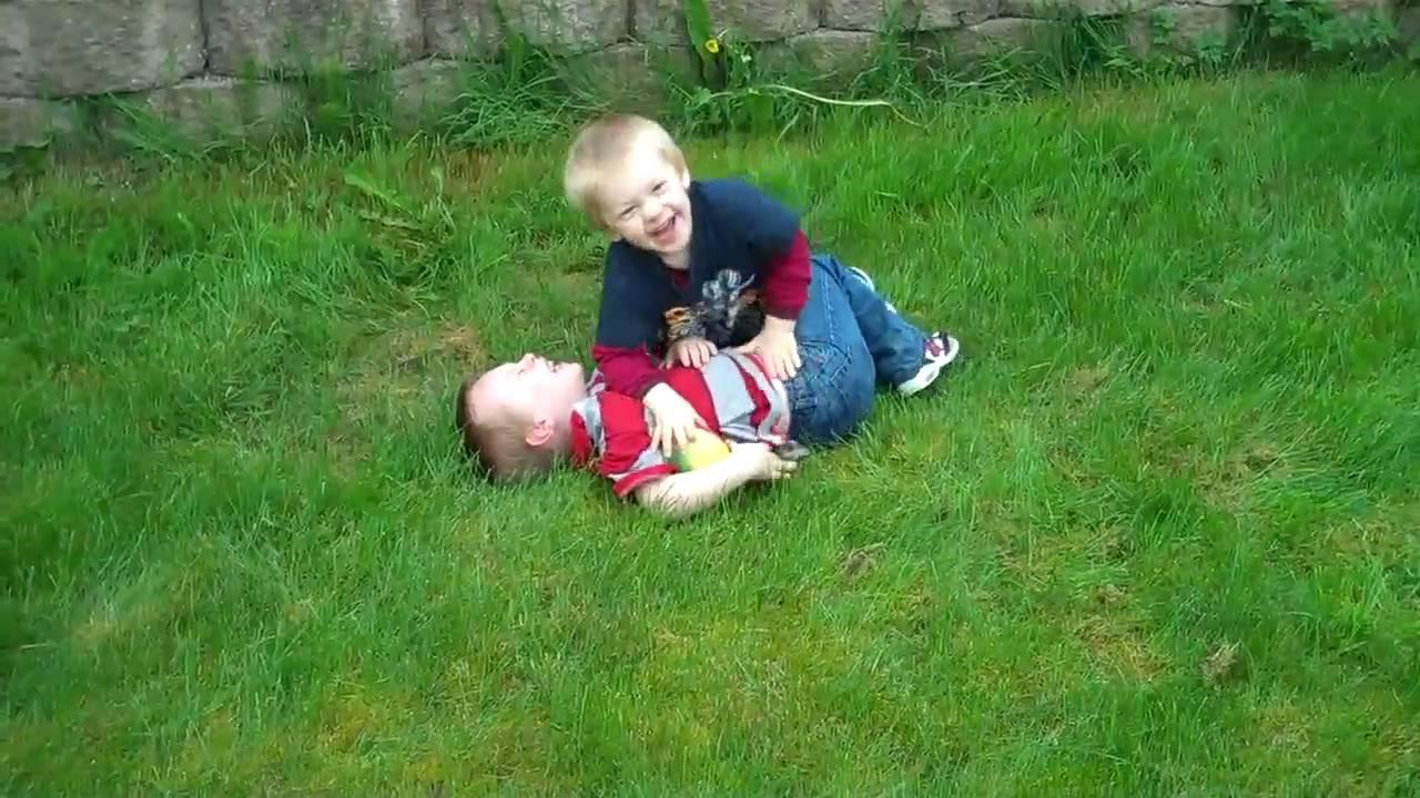 Summer Fun for Kids - Backyard Kiddie Pool - YouTube