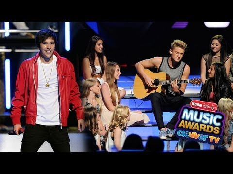 Cody Simpson & Austin Mahone Perform at Radio Disney Music Awards 2013