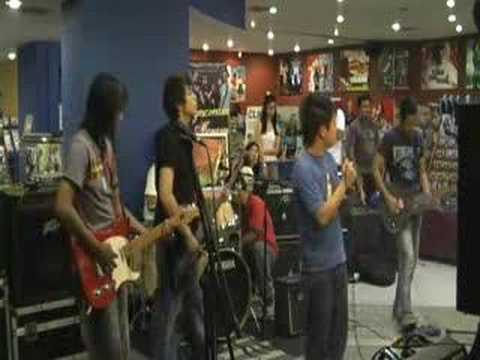 "Maghihintay ""Live"" by Eyescream"