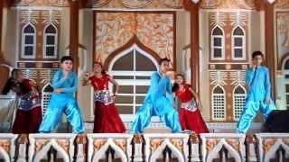 Delhiwali Girlfriend-Maharishi's Dance in Global Village