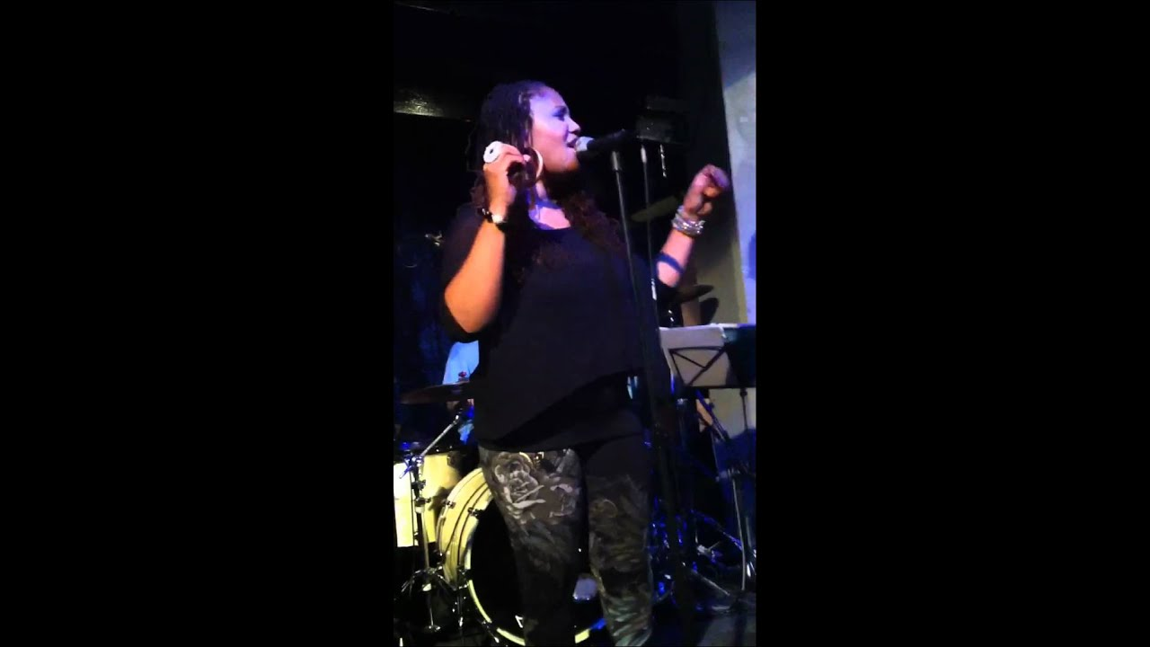 Lalah Hathaway - I'm Coming Back (LIVE @ Jazz Caf�) - YouTube