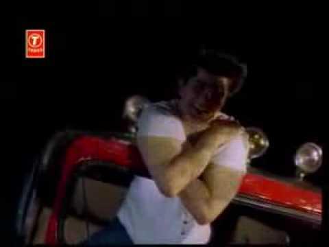 Woh Dheere Dheere Dheere, Mere Dil Mai Aa Rahi Hai video