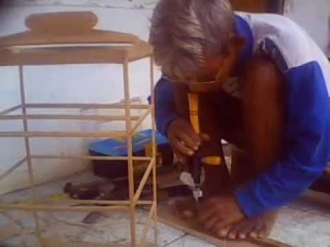 Pak Amir pengrajin sangkar burung tradisional yg beralamat d Jl