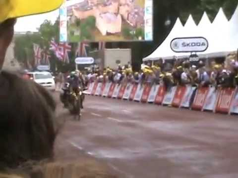 TOUR de FRANCE Stage 3 - Cambridge to London (07.07.14) Clip 2 of 4