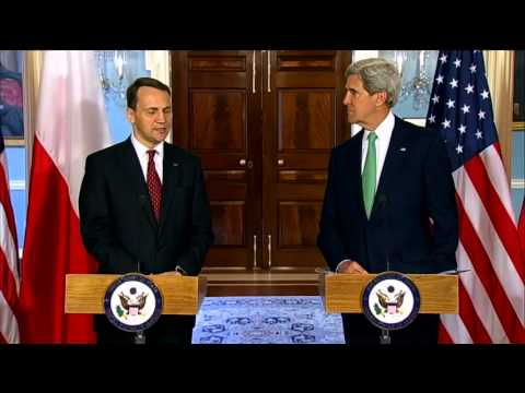 Secretary Kerry Delivers Remarks With Polish Foreign Minister Sikorski