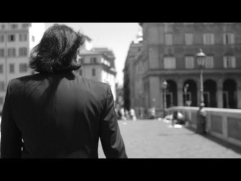 Renato Zero - Ti andrebbe di cambiare il mondo? - Official Videoclip - Zerovskij Solo per Amore