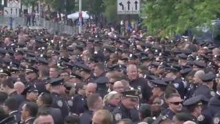 Jew NY Media Effectively Protects Commie Nutbag de Blasio-This is ONLY Actual Vid of Cops Turning Ba