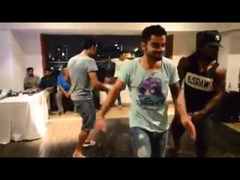 RCB Virat Kohli, AB Deviliers, Yuvraj Singh & Chris Gayle all dancing togehter on Winning