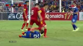 Lối đá thô bạo của đội tuyển Việt Nam trong trận đấu với Thái Lan dưới thời HLV Miura