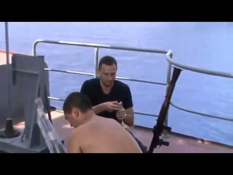 БПК Маршал Шапошников против лодок сомалийских пиратов!!!